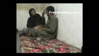 نيك عنيف صراخ وبكاء xxx فاتنة العرب في Www.pormhub.net